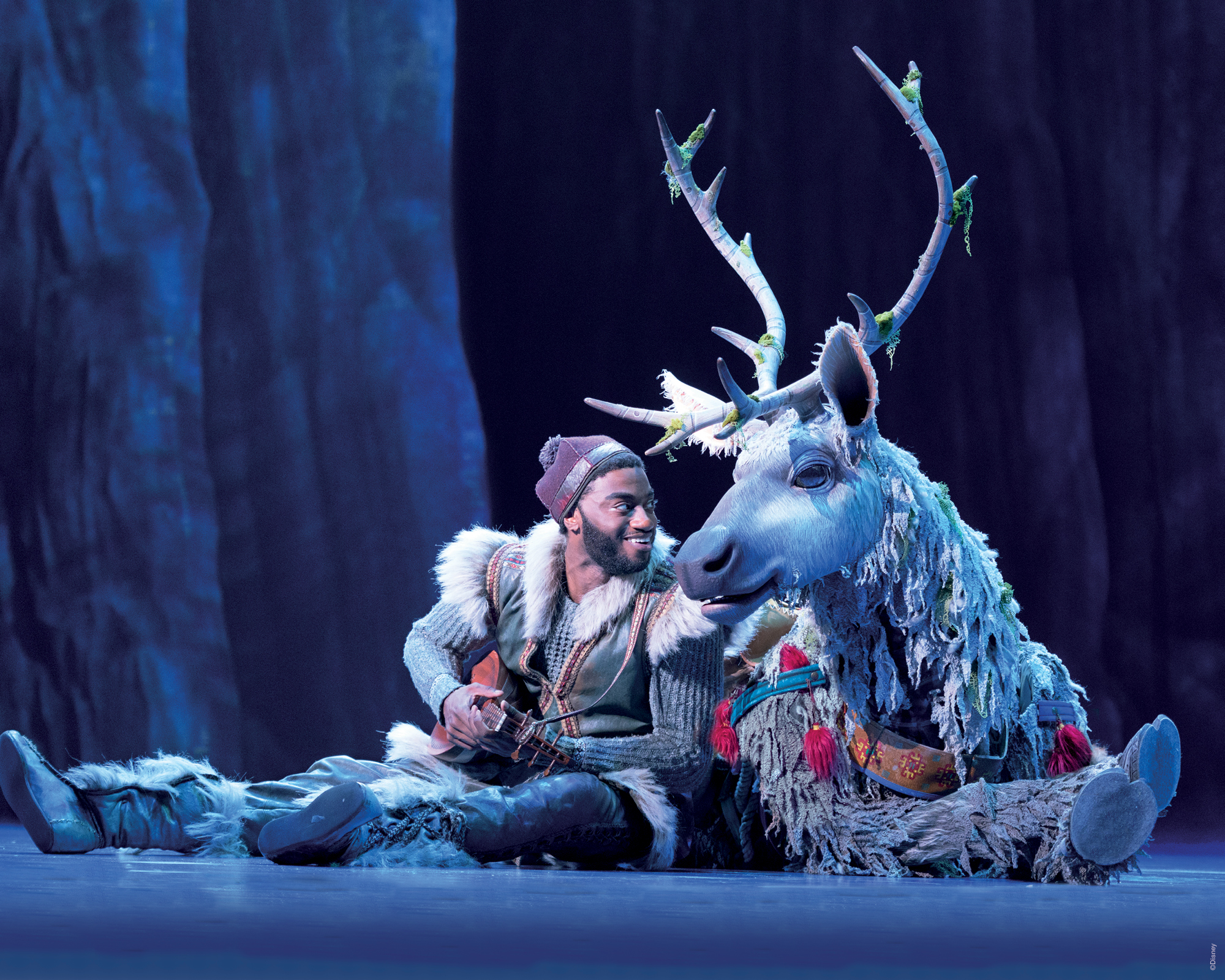 Frozen_Broadway_Collection_Assets_2000x1600-4